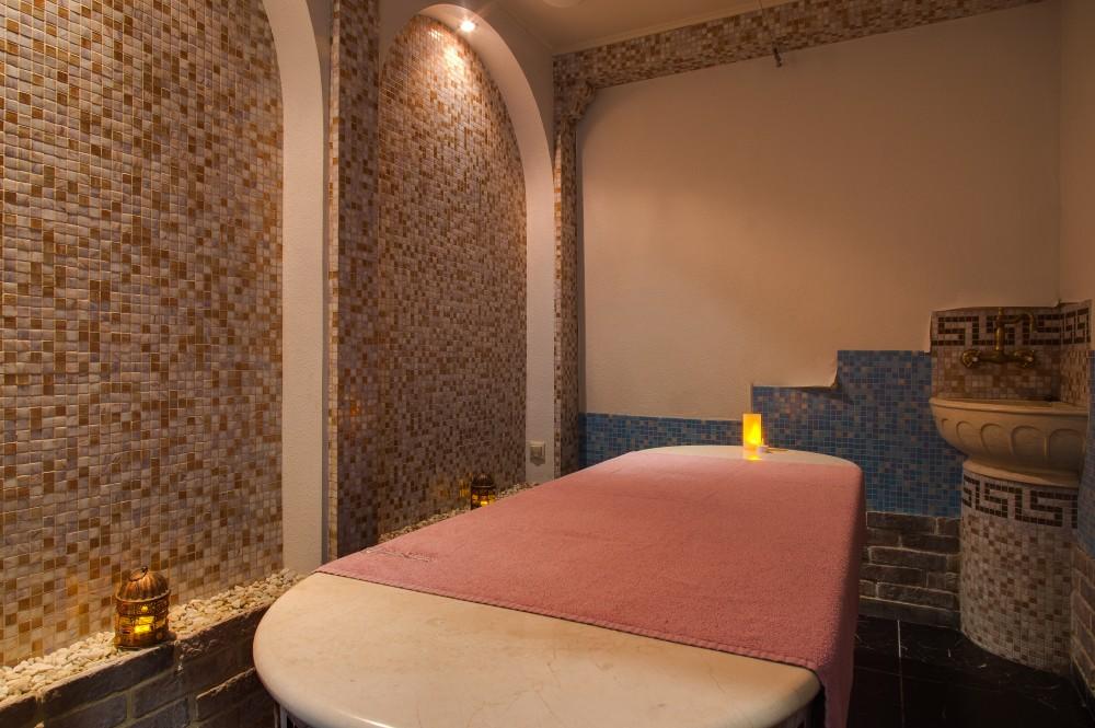 Мраморный стол для пенного массажа